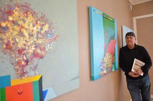 Ardy Strüwer en en färgstark konstnär.