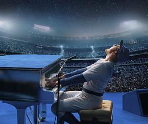 Taron Egerton spelar Elton John i filmen