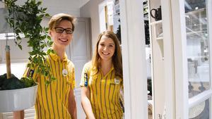 Viktor Lidman, kundrelation, och Paulina Rejström, försäljningschef, gillar lagandan och det egna ansvaret på Ikea.