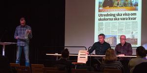 Kommunalrådet Lars Isacsson (S), bildningsstyrelsens ordförande Mikael Westberg (S), bildningschefen Björn Hansson, grundskolechefen Bengt Albertsson och Gamla Byns vice ordförande Kurt Kvarström (S) deltog i mötet med föräldrarna.