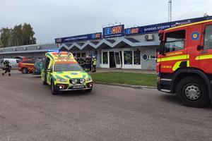 Olyckan inträffade på fredagseftermiddagen. En personbil körde in i Elon i Avesta.