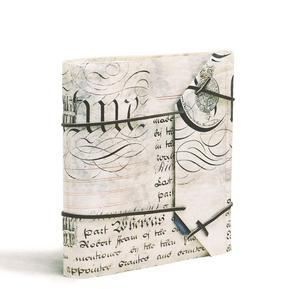 Några exempel på Monikas arbete: Pergament med historiskförebild från Tallins stadsarkiv...
