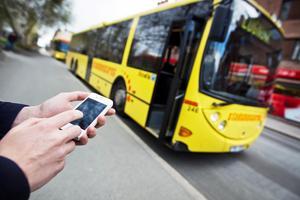 Debatten om gratis busskort för unga går vidare. Foto: Anton Enerlöw