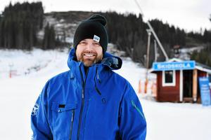 Hektiska jul- och nyårshelger väntar Andreas Larsson och övrig personal i Säfsen. Inför storhelgerna kan man locka med rejäla mängder vitvara.Foto: Jennie Börs/Arkiv