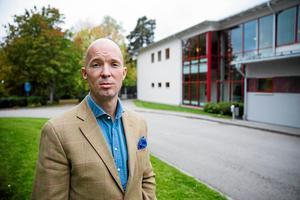 Anders Ericson, försvarsadvokat åt 32-åringen, menar att bevisningen inte räcker för att knyta hans klient till brotten.