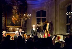 Julkonsert i Mörkö kyrka är ett av de musikarrangemang som Oktoberteatern gör. Arkivfoto:  Magnus Grimstedt