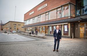 Michael Andersson, förenings- och anläggningschef, säger att det pågår diskussioner inom Södertälje kommun om man ska driva en eller flera små lokala scener än stadsscenerna Estrad och Trombon.