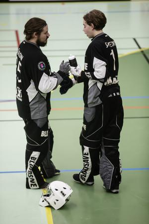 Joacim Bülow Handler och Wille Svedin peppar varandra.