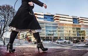 I Region Dalarna sitter ju numera moderater och kristdemokrater i ledningen. Har de som röstade fram dessa partier aldrig hört talas om Karolinska, undrar insändarskribenten. Foto: TT