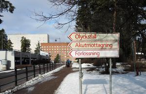 Falu lasarett fick ta emot många som skadat sig efter fall under julens ishalka i länet. Ortopeden i Falun har opererat ett 25-26 akut för benfrakturer.