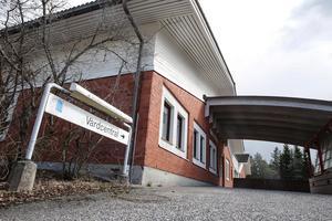 Grängesbergs vårdcentral kommer att vara stängd nio veckor i sommar. Patienterna hänvisas till Ludvika eller Sunnansjö i första hand.