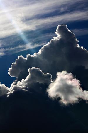 När de mörka molnen börjar hopa sig kan det vara skönt att veta att det finns en strimma av ljus någonstans.