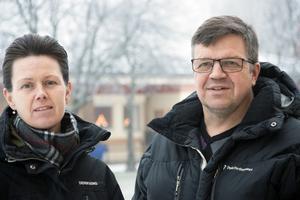Jennie Forsblom (KD) och Hans Jonsson (C) är båda kritiska till det beslutsunderlag om hotellaffären som de fick inför och under kommunstyrelsens möte.