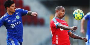 Två inernationella profiler i Allsvenskan; David Batanero och Wanderson. Bild: Andreas Hillergren/TT