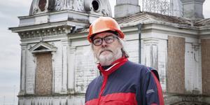 – Jag kan mycket väl tänka mig att komma tillbaks till Gävle, kommunen har rätt attityd. Men det är viktigt att konstatera att företagsklimatet inte är det bästa, säger Christer Lindström, vd för företaget 4Dialog och ordförande för den ideella föreningen Villans vänner.
