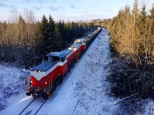 Inlandsbanan och LKAB testar att köra tåg med kalk och makadam fossilfritt.  Att hitta kostnadseffektiva transporter är huvudtänket med pilotprojektet. Foto Pressbild/ Therese Fanqvist