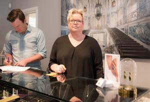 Annika Törnberg med kollegan Henrik Jansson.