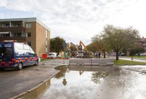 En huvudledning på Brynäs sprang läck.
