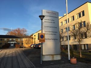 Kajsa Åslin, pressekreterare för Härnösands stift svarar en insändare om arbetsmiljön i Svenska kyrkan.