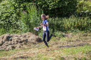 Klara Borg under etapp tre på O-ringen. Foto: Urban Larsson/SNO