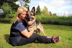 Startklara. Tina Fridh och hunden Leaza laddar för sitt tredje VM.