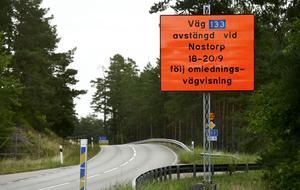 Det kommer att finnas omledningsskyltar när väg 133 stängs av helgen 18-20 september.