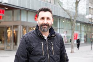 """Jovo Mandrapa, 45, programmerare från Rosenlund: """"Nej, jag spelade förut, men valde att sluta. Det var inte så svårt att sluta, jag var inte beroende av det"""""""