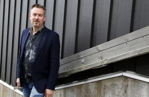 Kommunstyrelsens ordförande Daniel Danielsson (C) hoppas att det finns en tillfällig förskola på plats under senhösten.