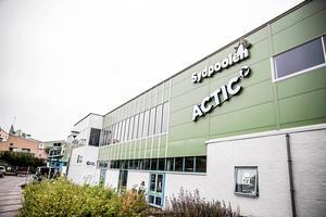 Actics första gym i Södertälje ligger i samma lokaler som badet Sydpoolen. Foto: Edis Potori.