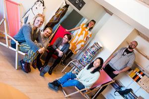 De är hjärnorna och fötterna bakom Open Art 2019; (från vänster) Elin Persson, Martina Thorén, Elisabeth Magnusson, Sofia Gustafsson, Jun-Hi Wennergren Nordling och Johan Jedebert. Saknas på bilden gör Mark Andersson och Petter Nilsson.