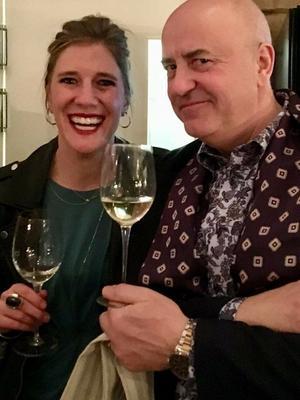 Restaurangchefen Anna Wilcoxen och Karl-Arne Wagenius bjuder bland annat på biff Rydberg på renfilé.