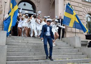 Totalt klev nio studentklasser ut från Hedbergska på torsdagen.