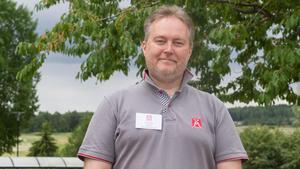 Clas Blomberg är vägombud för Motormännen både i Västmanlands län och Örebro län. Två gånger under sommaren undersöks länens rastplatser.