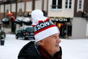 Pocke tittar längtande upp mot Åreskutan, där han tillbringat så mycket tid.