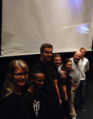 Peter Swartling (näst längst till höger) höll en uppskattad föreläsning om hur man kan nå sina drömmar och mål i livet.