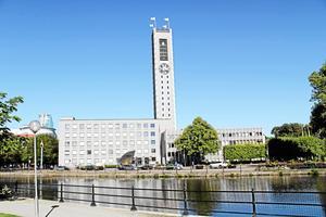 Politiker och tjänstemän i Stadshuset ignorerar avtal med leverantörer, hävdar skribenten. Foto: Helena Bergenhamn/arkiv
