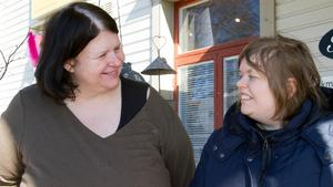 Helene Wallin med dottern Jessica tror påskmarknaden är uppskattad i Norberg.