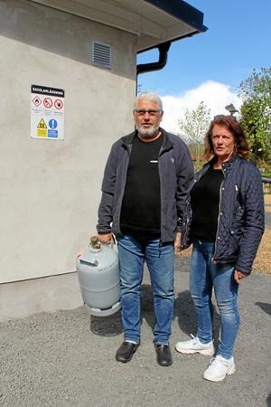De första kunderna till gasoldelen var Sten-Åke och Kristina Persson.