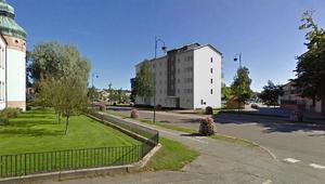 Bilden är ett fotomontage på ett 5-våningshus som Härnösandshus vill bygga bredvid Nybrogatan. Illustration: Arkonova arkitekter.