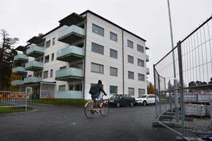 Ett av de första nya husen på Bandvagnsgränd, där boende nyligen har flyttat in.