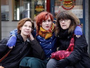 Carolina Thorell, Anna Jörgensdotter och Helene Rådberg tillsammans 2012 när deras gemensamma bok