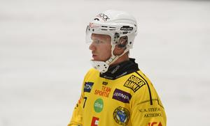 Rasmus Linder gjorde elitseriedebut för Broberg och blev målskytt direkt.