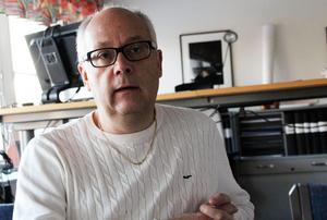 Mikael Westberg menar att behöver göras en ordentlig genomgång av tillgängliga lokaler innan man bestämmer sig för vart Jularbomuseet ska ta vägen. Foto: Eva Högkvist