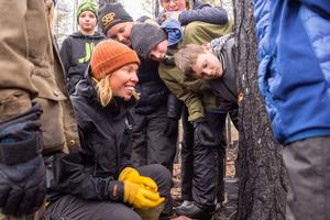 Stort intresse bland eleverna som fick tillbringa hela dagen ute på Storbrättan, istället för att sitta inne i en vanlig lektionssal.