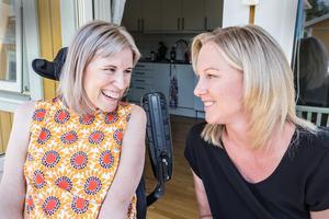 Sara Grundtman och Anna-Karin Hedberg har varit bästa vänner under många år. Den 17 juni anordnar de Tillsammans mot ALS-promenaden i Falun.