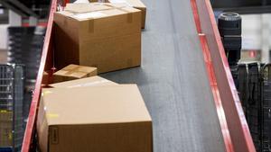 Paketleveranserna är redan många till länets butiker och handlare. De närmaste veckorna räknar Postnord med att de kommer att öka med 3-4 procent i hela landet. Foto: Marcus Ericsson, TT. Arkivbild.