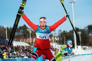 Ragnhild Haga jublar efter OS-guldet på 10 kilometer fristil. Bild: Carl Sandin/Bildbyrån.