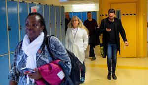 De gästande politikerna fick sig också en liten rundtur på skolan, där framtidsplanerna visades upp.