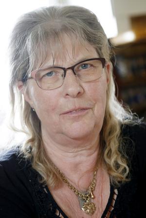 Sonja Sundvall har fått stötta sin dotter ekonomiskt för att hon ska klara sig och sin familj när sjukersättningen uteblivit.