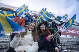 Idun Bennermalm och Inci Engström Savran, från Duveds skola.